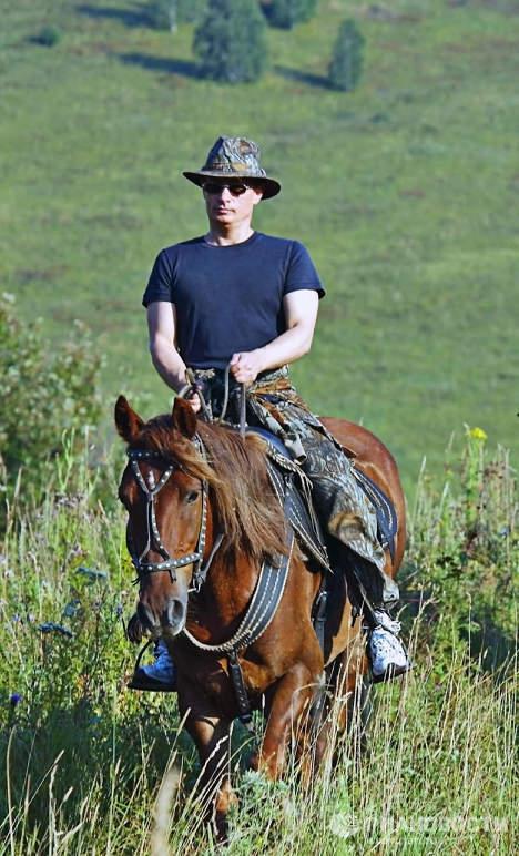 В.Путин во время отдыха в Алтайском крае