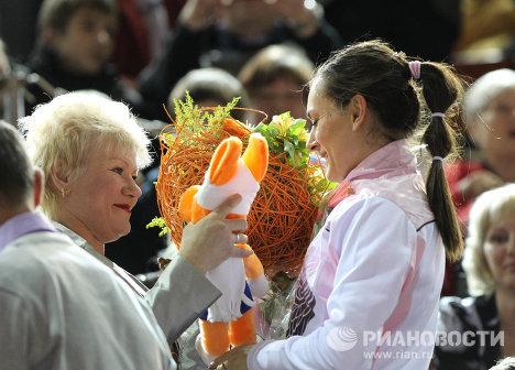 Наталья Исинбаева и Елена Исинбаева (слева направо)