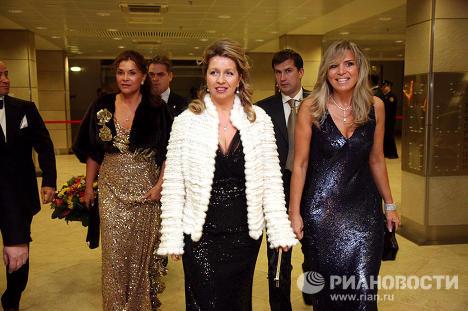 Супруга президента России Дмитрия Медведева Светлана на праздновании 45-летнего юбилея модельера Валентина Юдашкина