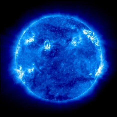 Фотография короны Солнца получена 08.03.2011 в 04:00 МСК в линии железа FeIX 171 A инструментом EIT на борту спутника SOHO