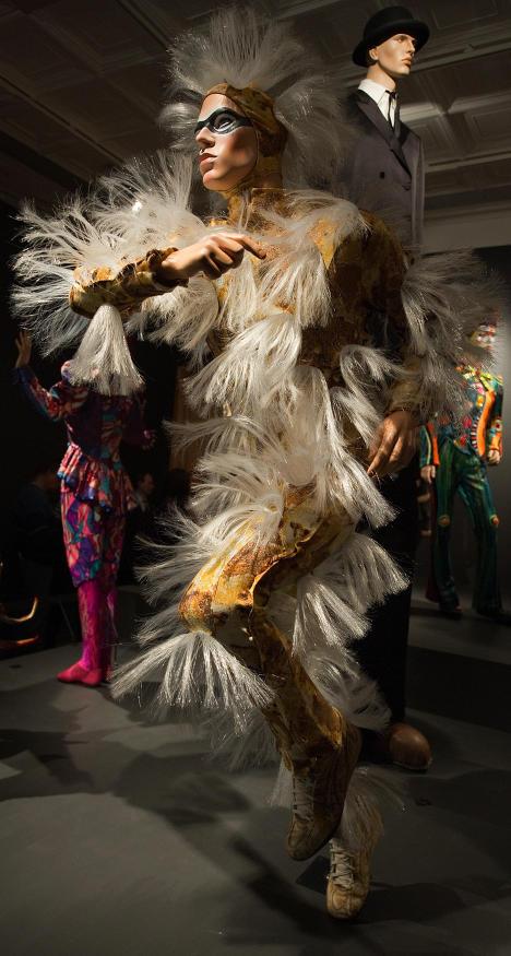 Выставка костюмов Cirque du Soleil Творцы грез
