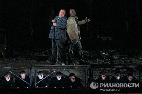 Репетиция оперы Возвышение и падение города Махагони