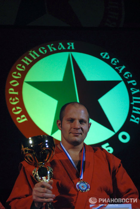 Федор Емельяненко стал пятикратным чемпионом России по самбо