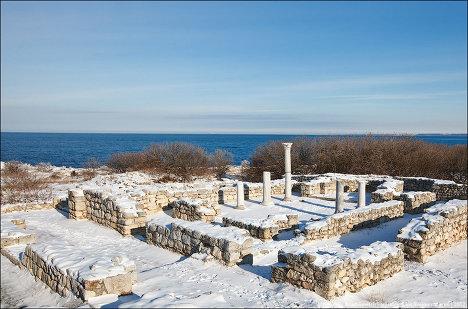Заснеженные развалины древнегреческой колонии: Херсонес Таврический