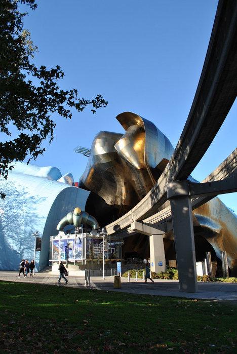 Музей научной фантастики и музей музыки в Сиэтле