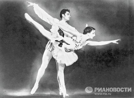 Надежда Дудинская и Константин Сергеев в балете Минкуса «Дон Кихот»
