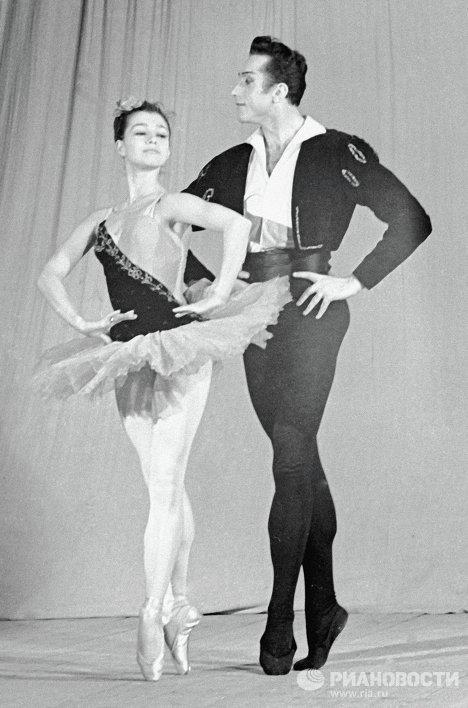 Максимова и Тихонов в балете Минкуса «Дон Кихот»
