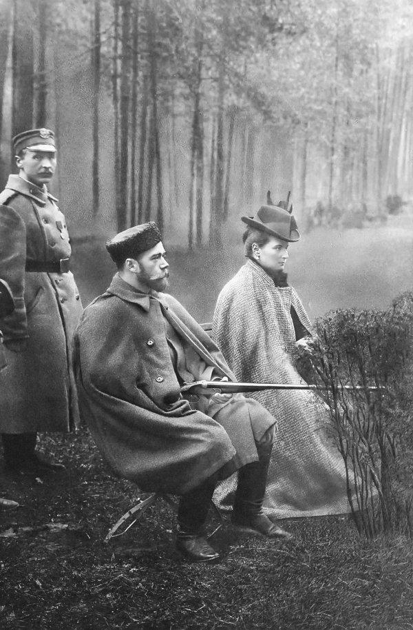 Репродукция фотографии Император Николай II и императрица Александра Федоровна на охоте