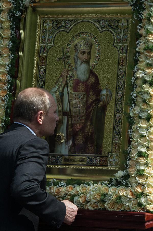 В.Путин на молебне по случаю 1025-летия крещения Руси