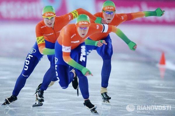 Конькобежный спорт. IV этап Кубка мира. Третий день