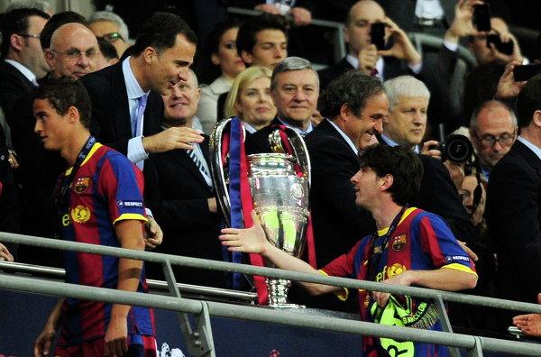 Принц Фелипе и футболист Лионель Месси во время финала Лиги чемпионов. Лондон, 2011