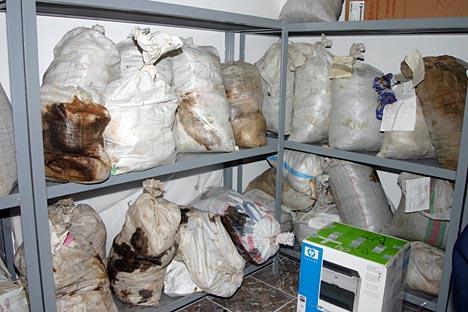 En los almacenes de la Agencia de Control de Droga subordinada al Presidente de Tayikistán aún quedan dos toneladas de heroína.